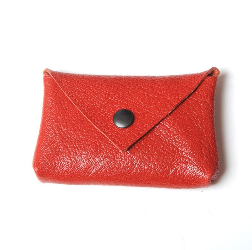 porte carte ou porte monnaie en cuir rouge. Black Bedroom Furniture Sets. Home Design Ideas