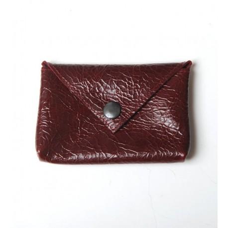 Porte-carte ou porte-monnaie artisanal en cuir bordeaux vernis