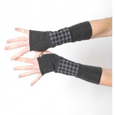 Grey and black jersey armwarmers with houndstooth pattern