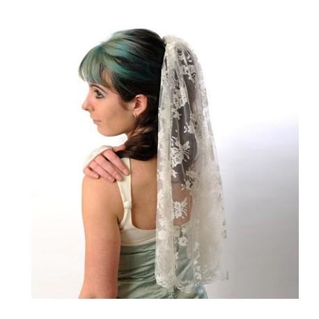 Voile de mariée en dentelle fine fleurie jeune créateur