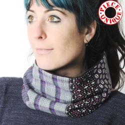 Col foulard original en patchwork tons violet et gris