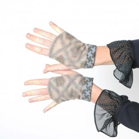 Beige and grey fingerless gloves - short gauntlets