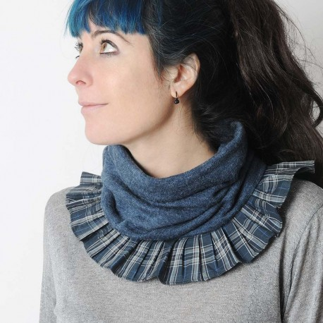 Soft and supple grey-blue pleated snood with plaid ruffles