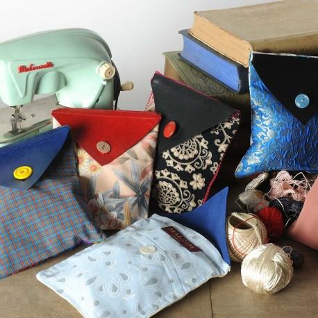 Petite pochette artisanale tissu et cuir, Pochette cadeau réutilisable
