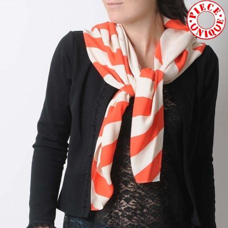 original fabriqué en France Large foulard beige et orange vif, losanges et rayures vintage