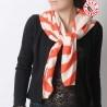 Large foulard beige et orange vif, losanges et rayures vintage