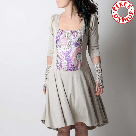 Mid-length, beige jersey dress with adjustable size