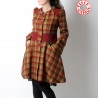 Manteau femme long et évasé, lainage rouge jaune vert à carreaux