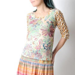 Top fleuri original made in france pastel, manches 3/4
