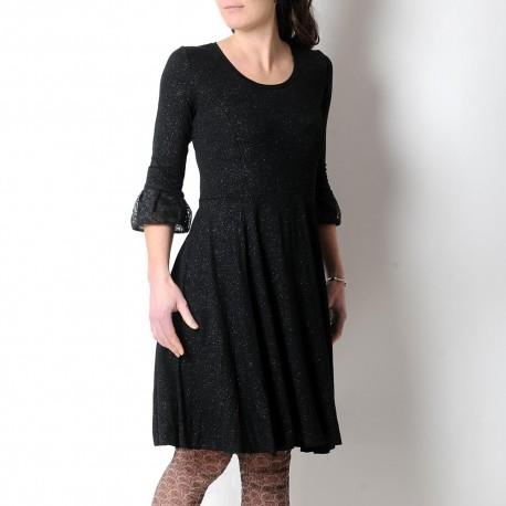 Robe noire pailletée créateur fabrication française manches volantées