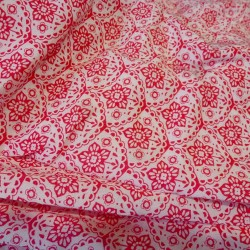 Lightweight white and red floral cotton viscose x 10 cm