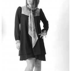 Short ample dress with long sleeves and a tie collar - CUSTOM HANDMADE