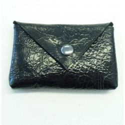 Porte-carte artisanal ou porte-monnaie en cuir noir vernis
