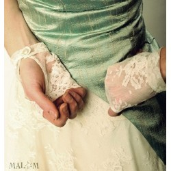 Off-white lace wedding fingerless gauntlets