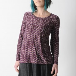 Long supple top in wine red patterned jersey, long narrow sleeves