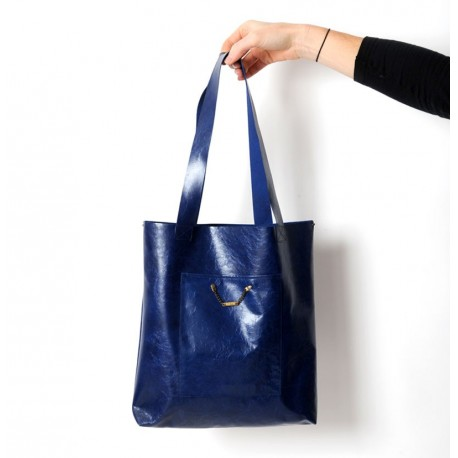 Royal blue varnished leather shopping tote bag, with two pockets